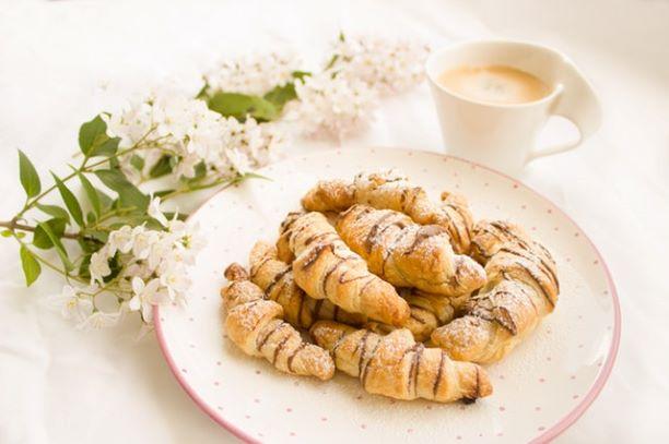fresh-breakfast-in-plate-248467