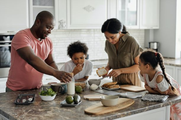 5 Ways Working Mothers Can Organise Their Big Family